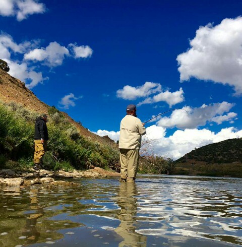 Guided fly fishing trips casper wyoming cowboy drifters for Fly fishing vacation packages
